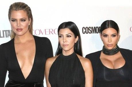 ... Khloé, Kourtney e Kim Kardashian agora