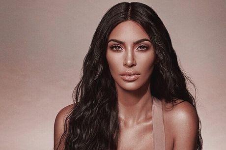 Kim apareceu com falhas no cabelo após dar a luz