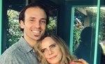Da união, nasceu o único filho do casal, o também ator Kim RiccelliLeia também: 'Fazia redação para os amigos em troca de chocolates', conta Bruna Lombardi