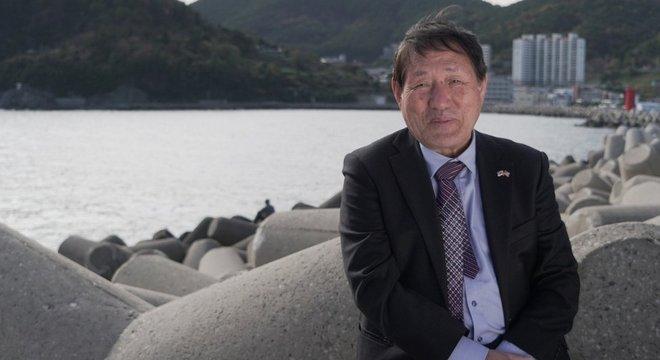 Lee Gyong-pil, também conhecido como Kimchi 5, quer criar um memorial para os navios