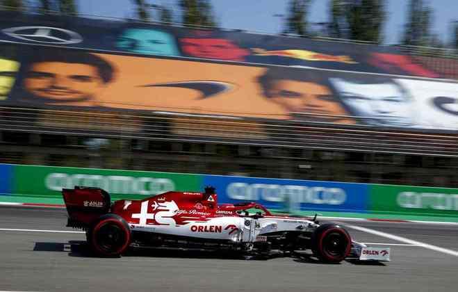 Kimi Räikkönen conseguiu avançar para o Q2 pela primeira vez no ano