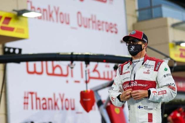 Kimi Räikkönen foi 15º