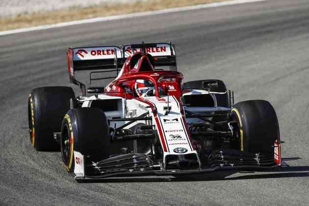 Kimi Räikkönen terminou a sexta-feira na 17ª colocação