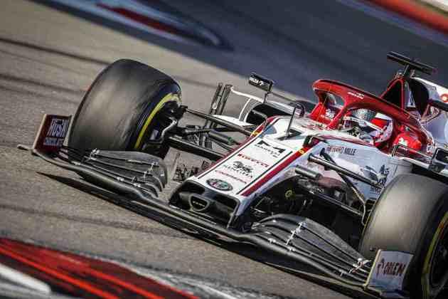 Kimi Räikkönen voltou a decepcionar e foi novamente superado pelo parceiro de time