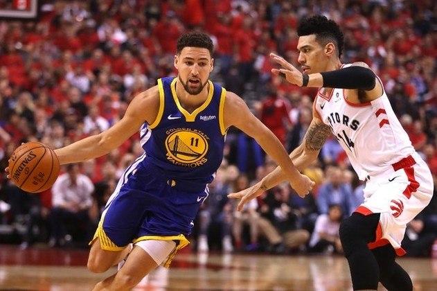 Klay Thompson - Um dos melhores arremessadores da NBA, o astro também é conhecido por ser um ótimo defensor. Foi o terceiro cestinha do Golden State Warriors naquela temporada, com 22.3 pontos e converteu 41.4% dos lances de três