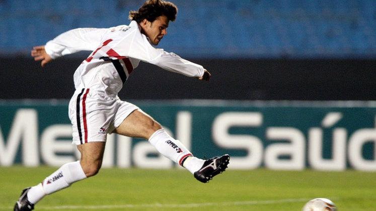 Kléber Gladiador - O atacante foi revelado pelo Tricolor em 2003, jogando no Tricolor somente naquele, quando entrou em campo 38 vezes e balançou as redes em 11 oportunidades.