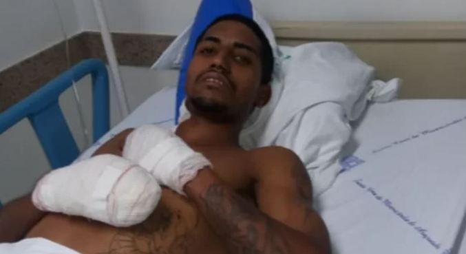 Kleiton foi submetido a uma cirurgia e teve os pés e dedos das mãos amputadas