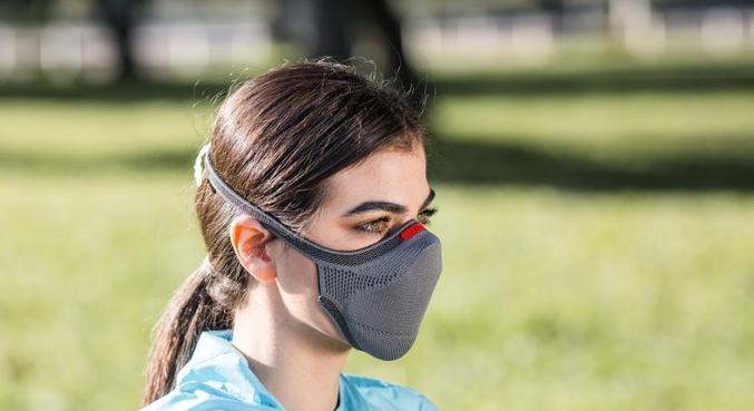 A máscara KNIT Fiber tem uma alça só e se adapta facilmente ao formato do rosto/Reprodução/Máscara KNIT Fiber