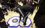 Ele ainda se tornou o terceiro maior cestinha da história da NBA. No ano passado, foi ultrapassado por LeBron James, estando agora na quarta posição