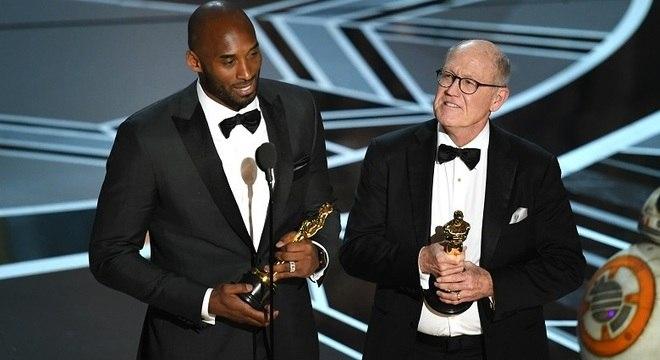 Kobe Bryant e Glen Keane, ganhadores do Oscar de melhor curta de animação