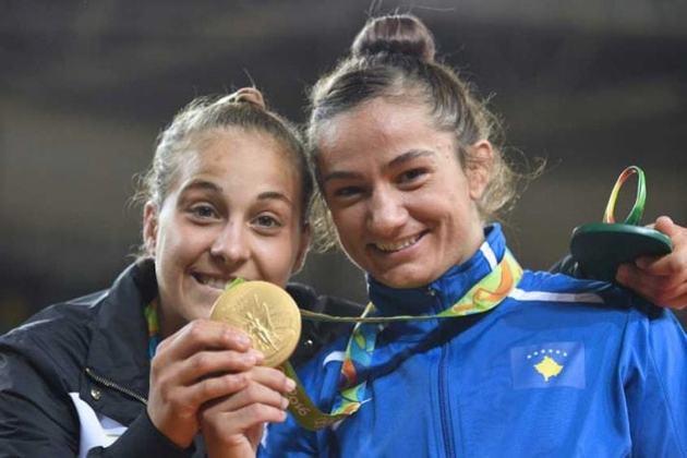 Kosovo fez sua estreia como estado independente nos Jogos do Rio de Janeiro e obteve uma única medalha de ouro. O feito foi da judoca Majlinda Kelmendi na categoria até 52 quilos.