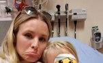 A atriz norte-americana Kristen Bell, do seriado The Good Plance, passou por um grande susto com a caçula Delta, na época com quatro anos. A atriz foi parar na emergência do hospital após a menina prender o dedo na porta.