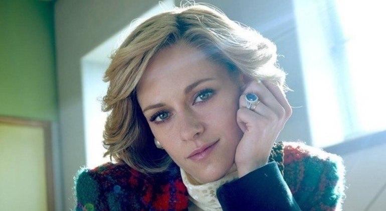 Kristen Stewart impressiona como princesa Diana no filme 'Spencer'