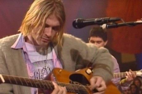Kurt e o famoso violão do 'Acústico MTV'