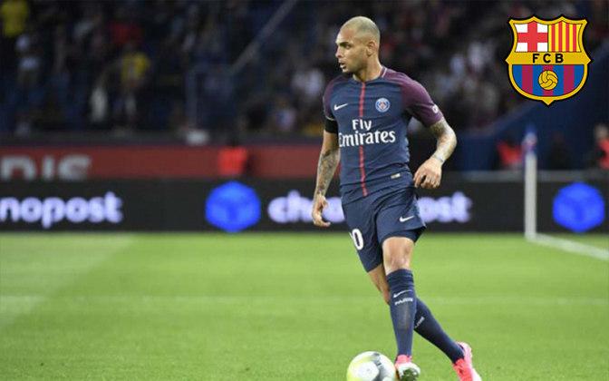 Kurzawa. Posição: Lateral esquerdo. Idade: 27 anos. Clube atual: Paris Saint-Germain. Clube interessado: Barcelona.