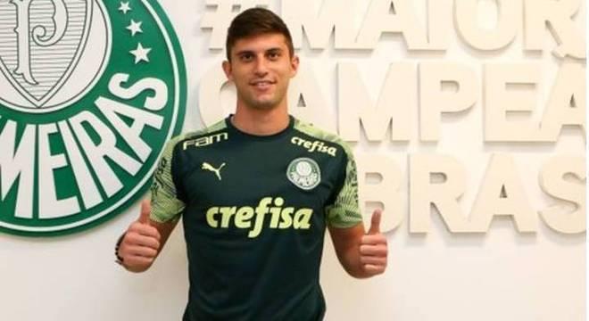 O Palmeiras trabalhou em silêncio e trouxe zagueiro da Seleção Chilena