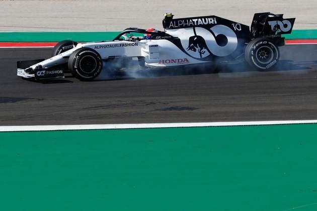 Kvyat em ação no primeiro dia de treinos no circuito português