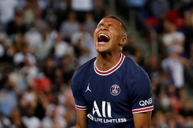 Mbappé quer ir para o Real. Mas o PSG deseja segurá-lo esta temporada. Com Messi e Neymar