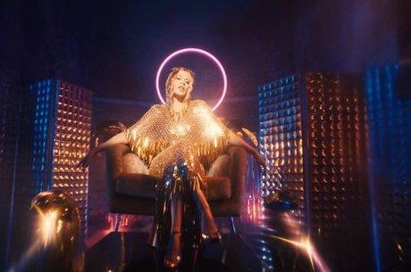 Kylie Minogue lança clipe de 'Magic'