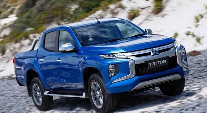 Para seguir o novo visual da marca, a Mitsubishi prepara para o próximo ano o facelift da L200.