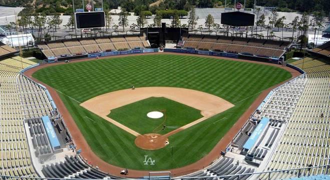 O estádio dos LA Dodgers, abora em absoluto silêncio