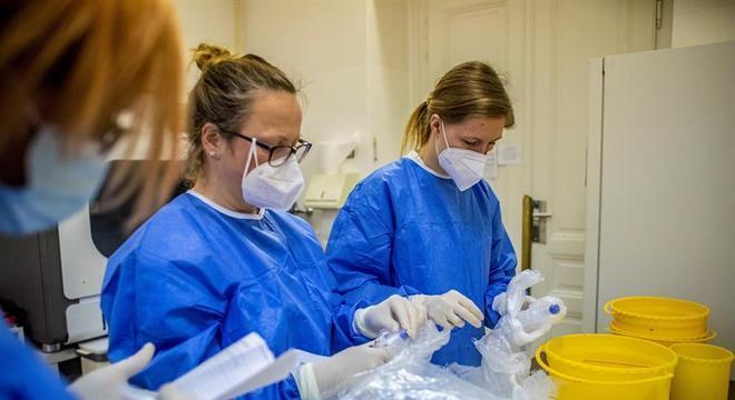 Profissionais de saúde participaram do estudo no Reino Unido