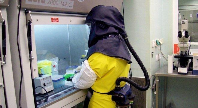 Laboratórios como este na Hungria têm de seguir rígidos padrões internacionais