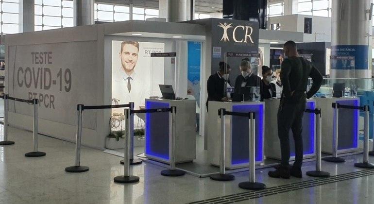 Laboratório para testagem de covid instalado no Aeroporto Internacional de São Paulo, em Guarulhos