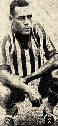 Ladislau da Guia - Irmão do craque Domingos da Guia e tio de Ademir da Guia, o ex-jogador é o maior artilheiro da história do Bangu com  229 gols em 333 jogos. Além disso, estava presente no elenco campeão do Campeonato Carioca: 1933, o primeiro a ser disputado por equipes profissionais.