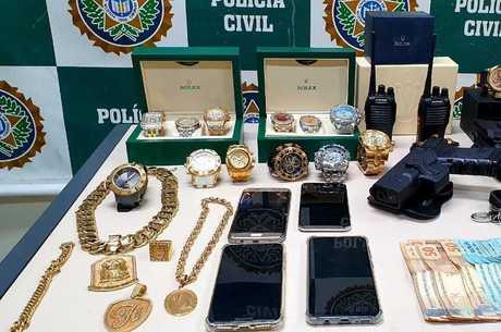 Objetos de luxo foram apreendidos na casa do suspeito