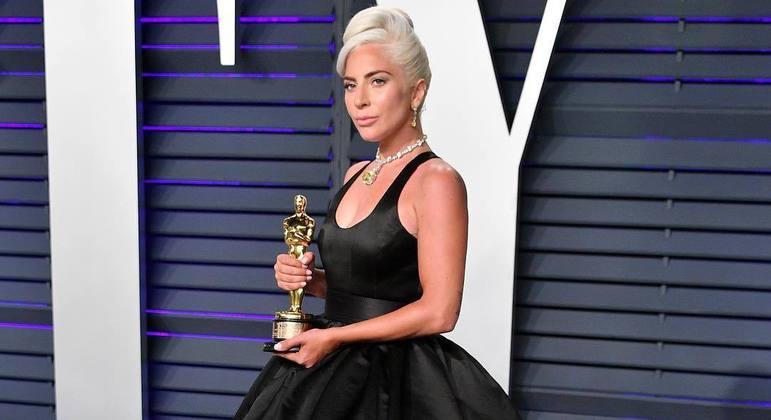 Lady Gaga revela que ficou grávida após ser estuprada ao 19 anos