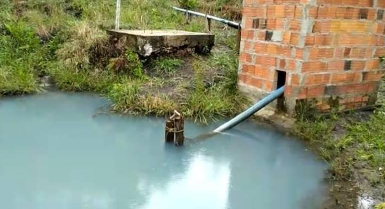 Lago formado após produção de água em área próxima à bacia do Pipiripau, em Planaltina