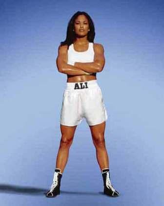 Laila Ali - Filha do lendário Muhammad Ali, foi campeã mundial na categoria supermédio em 2002, permanecendo invicta até sua aposentadoria do ringue. Ao todo, foram 24 vitórias, 21 por nocaute