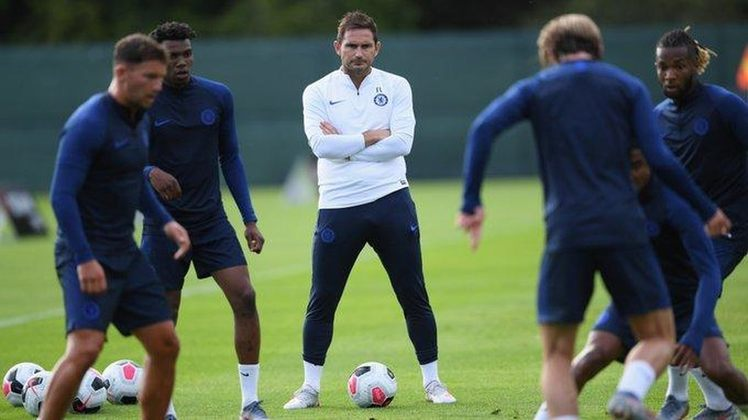 Lampard vai investir nos treinos e em transmitir confiança ao goleiro. Mas a imprensa inglesa diz que ele já pensa em um substituto.