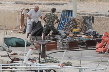 13 mulheres morreram afogadas depois de naufrágio