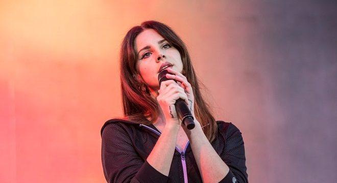 Música de Lana Del Rey é eleita a melhor da década por revista britânica