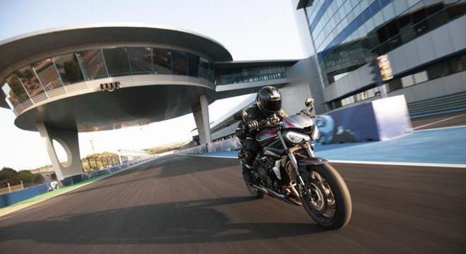 Street Triple RS é a Moto2 de rua