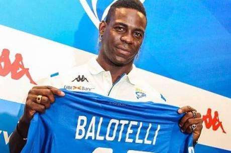 Balotelli protagonizou mais uma polêmica fora de campo
