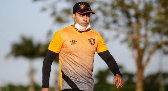 Com permanência na Série A, Jair Ventura renova contrato com o Sport
