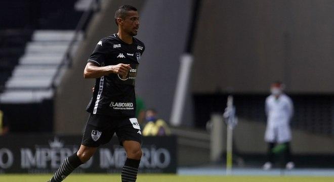 Cícero é um dos jogadores que está deixando o Botafogo