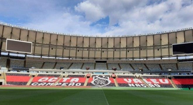 Mosaico especial já foi feito nas arquibancadas do Maracanã