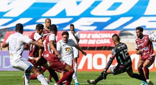 Gols foram marcados por Ramon, Roberson e Maurício