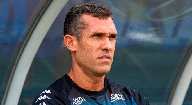 Bruno Lazaroni era auxiliar permanente do clube
