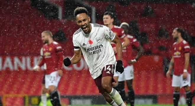 Aubameuyang dá fim a jejum de 14 anos do Arsenal sem vencer no Old Trafford