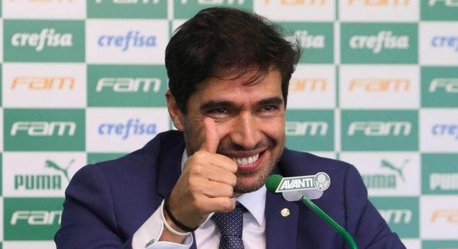 Abel Ferreira tem deixado uma boa impressão no comando do Palmeiras