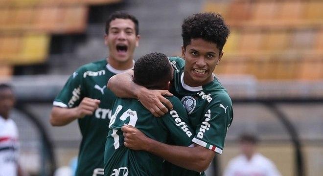 Gabriel Silva, que era do sub-17, é uma das apostas do Palmeiras na Copinha