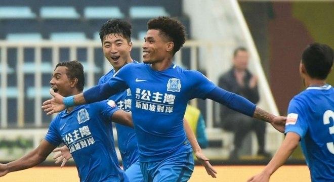 Júnior Urso conseguiu sua rescisão contratual no Guangzhou R&F, da China