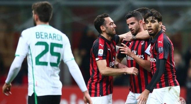 Milan venceu com gol contra de Lirola