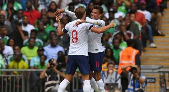 Inglaterra sofre mas bate a Nigéria em amistoso pré-Copa do Mundo ... d5a718fb864ae