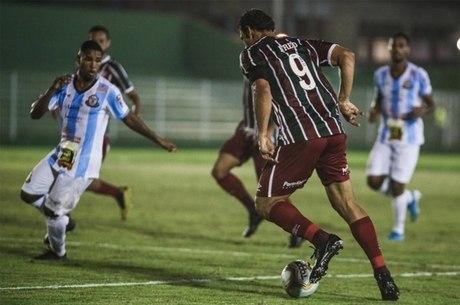 Fred, por pouco, não marcou pelo Fluminense